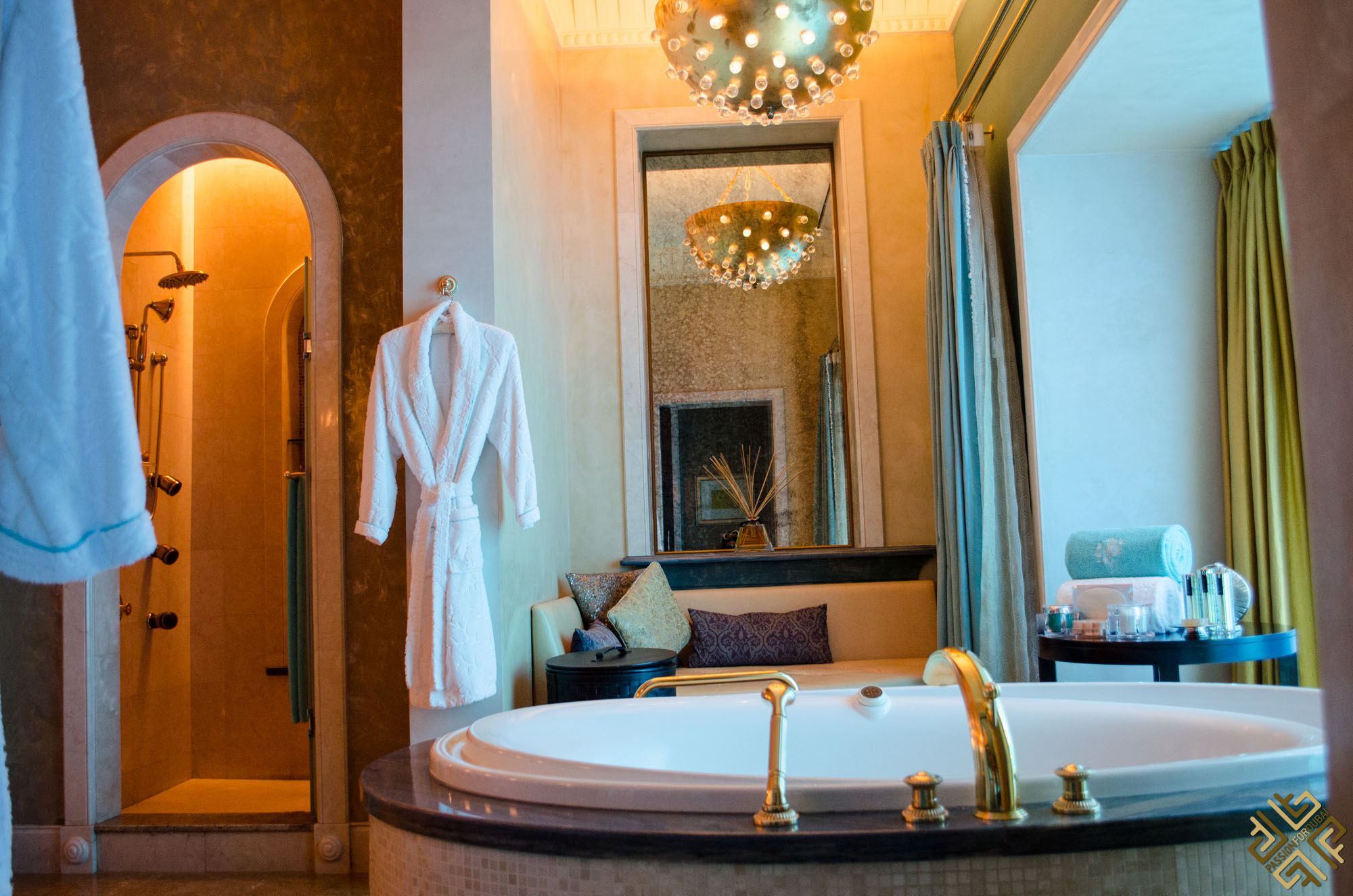 atlantis-the-palm-underwater-suite-1