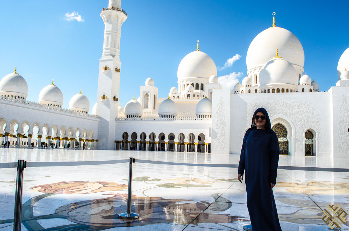 Sheikh Zayed Grand Mosque Abu Dhabi-2 - Passion for Dubai