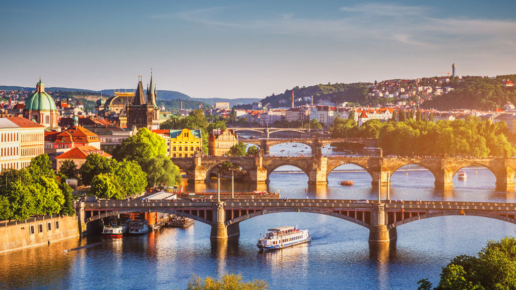 Travel from Dubai to Prague with Emirates: Prague in 3 Days