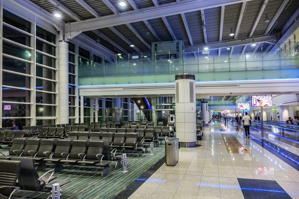 Аэропорт дубай чем заняться дом в черногории купить у моря недорого